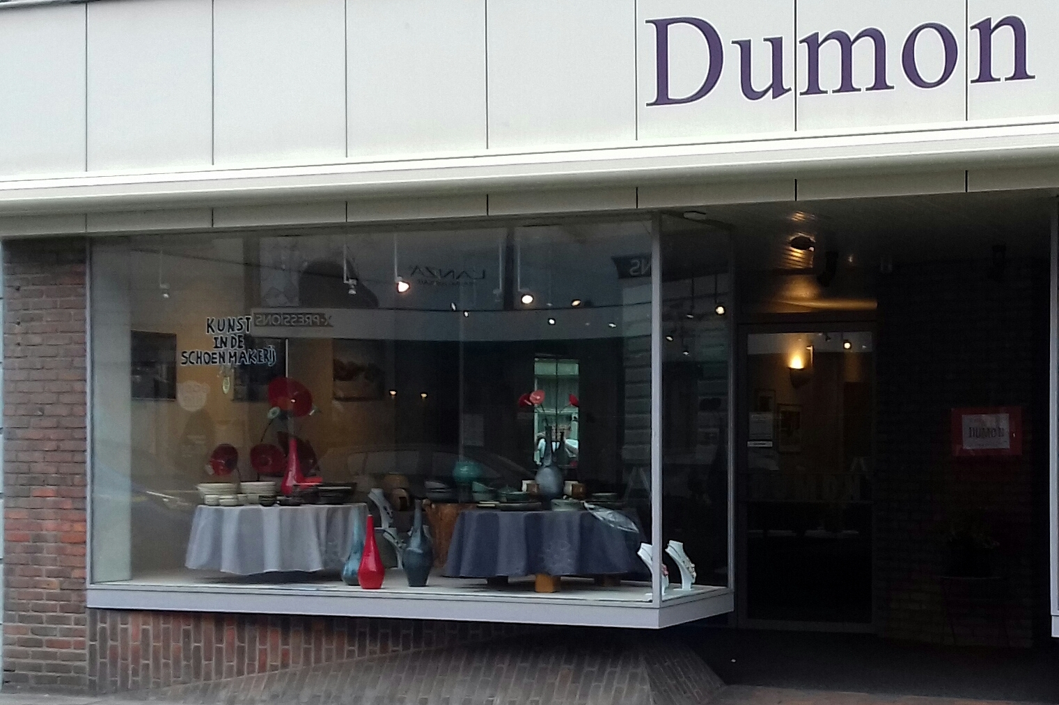 Pop-up vitrine Dumon